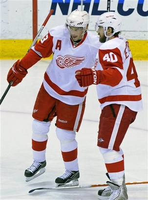 Datsyuk and Zetterberg: Anybody got a clue?