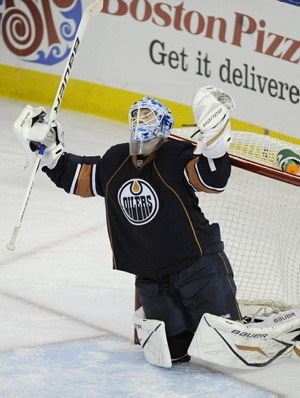 What an opposing goalie looks like after his first win.